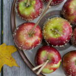Lemon-Cinnamon-Candied-Apples on a stick