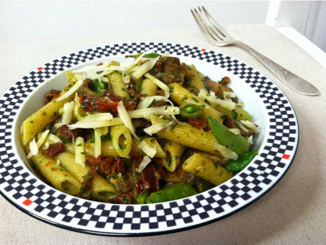 Mushroom, Snap Pea and Sun-dried Tomato Penne Pasta
